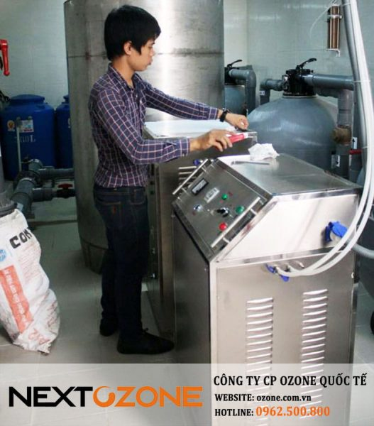 may ozone cong nghiep xu ly nuoc be boi 1-min