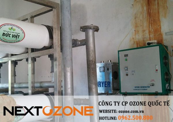 Máy ozone công nghiệp khử trùng thực phẩm đóng gói xúc xích Đức Việt