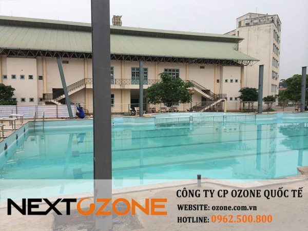 may ozone cong nghiep xu ly nuoc be boi 2-min